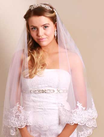 two tier lace veil